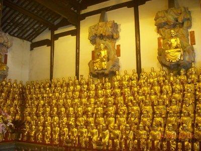 寺庙里各大殿都供奉着谁