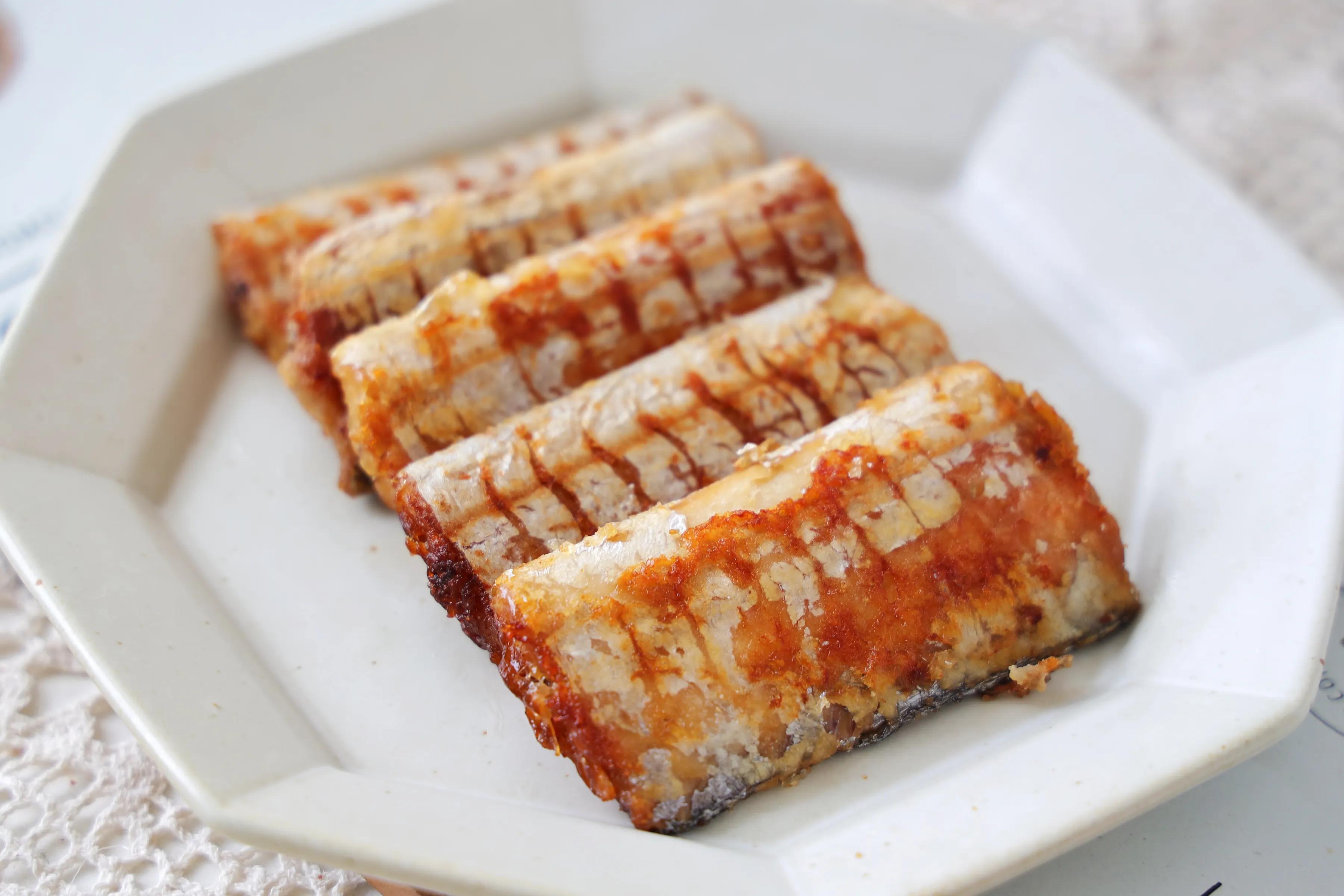 带鱼这样煎,肉质鲜嫩入味,而且简单好做,大暑过后马上做起来