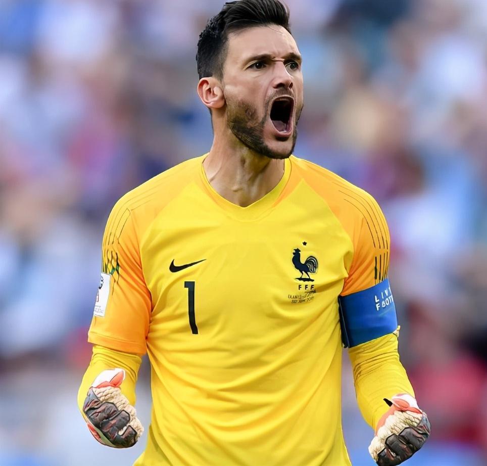 """法国足球历史最强阵:两位""""准球王""""坐镇中场,姆巴佩还不够格"""