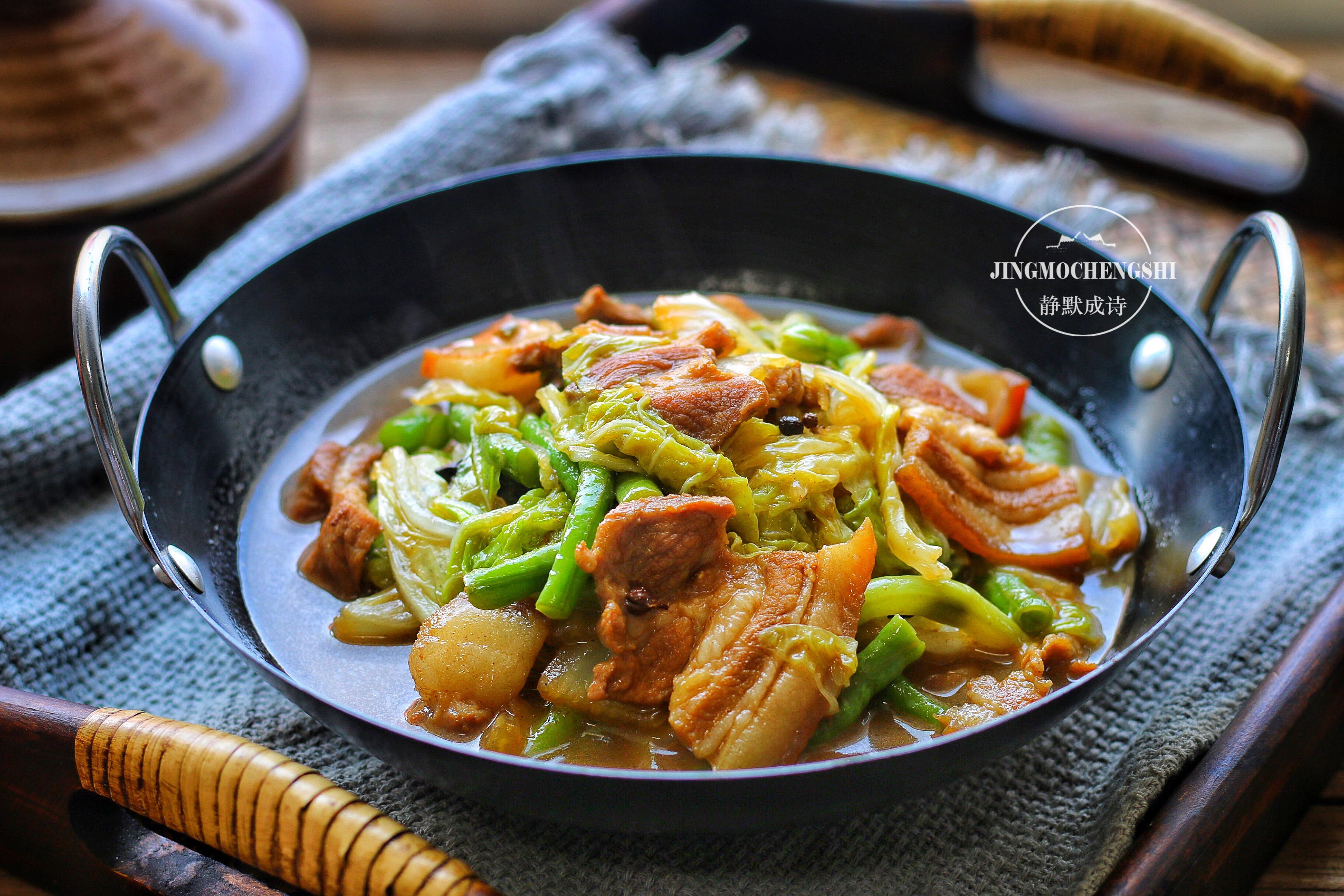 百菜不如白菜,熱熱乎乎地燉一鍋,連湯都拌飯吃個精光