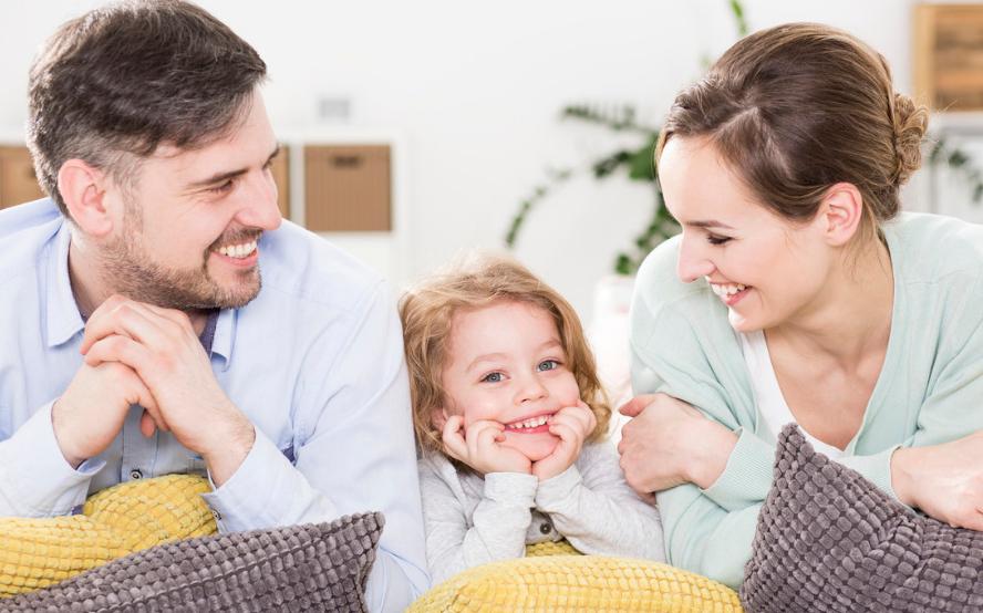"""自家孩子被别人批评,家长应该""""强势回击"""",还是置之不理?"""