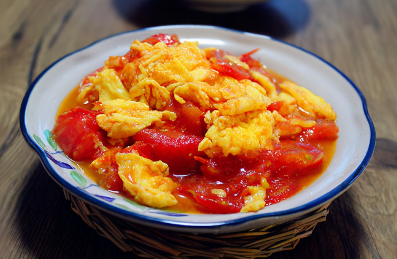 西红柿炒蛋,先炒哪个是关键,记住顺序,西红柿沙软,鸡蛋鲜嫩 美食做法 第1张