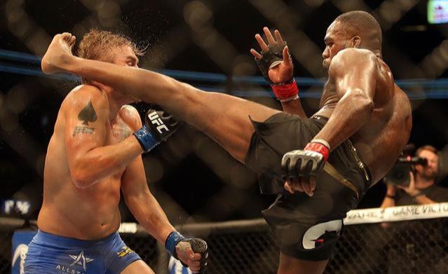 定了!骨头琼斯明年对阵阿迪萨亚,还要冲击UFC重量级世界冠军