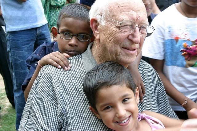 微軟創始人比爾蓋茨父親去世,曾是著名律師和慈善家