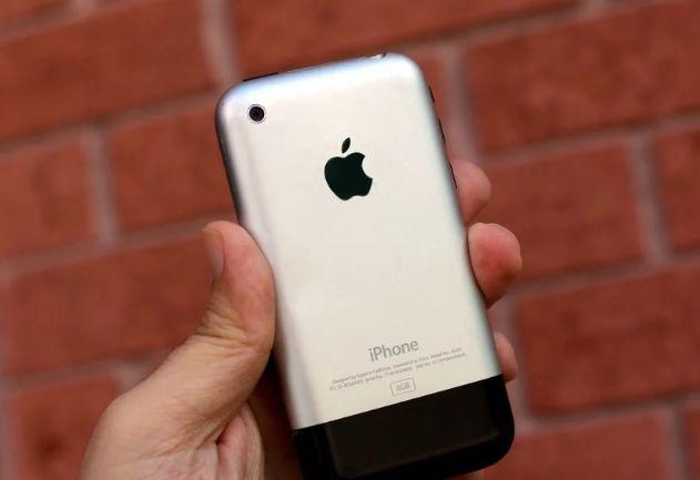 盘点iPhone发展史:你从哪一代开始沦陷的?