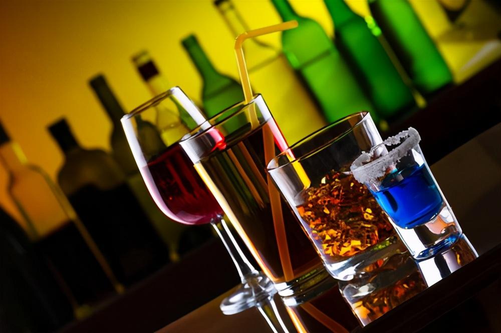 饮酒指南:每天饮酒多少合适