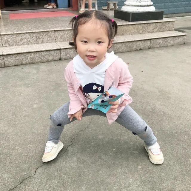 悬赏20万!5岁女童串门失联 母亲以泪洗面:想确认活着