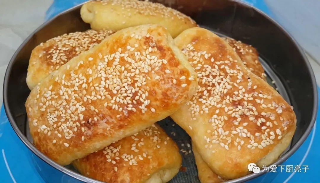 1斤麵粉,1勺白糖,掌握3個技巧,新手也能一次成功,香酥又好吃
