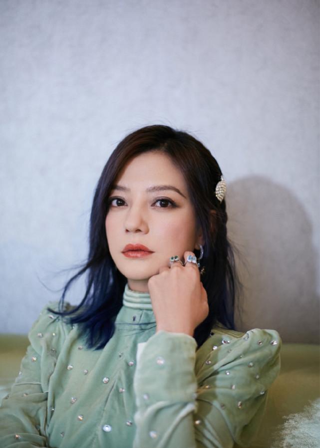 赵薇复古名伶风大片被赞美回20岁,网友直呼修图有进步