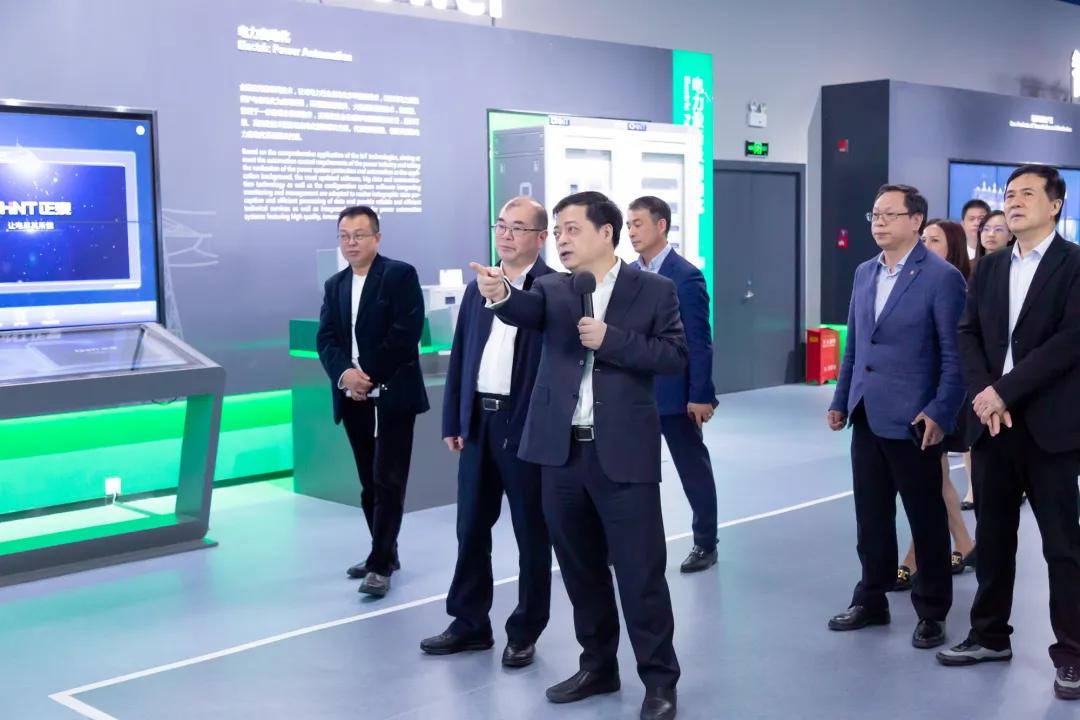 浙江省委常委朱国贤:工业互联网时代是正泰大显身手的时候
