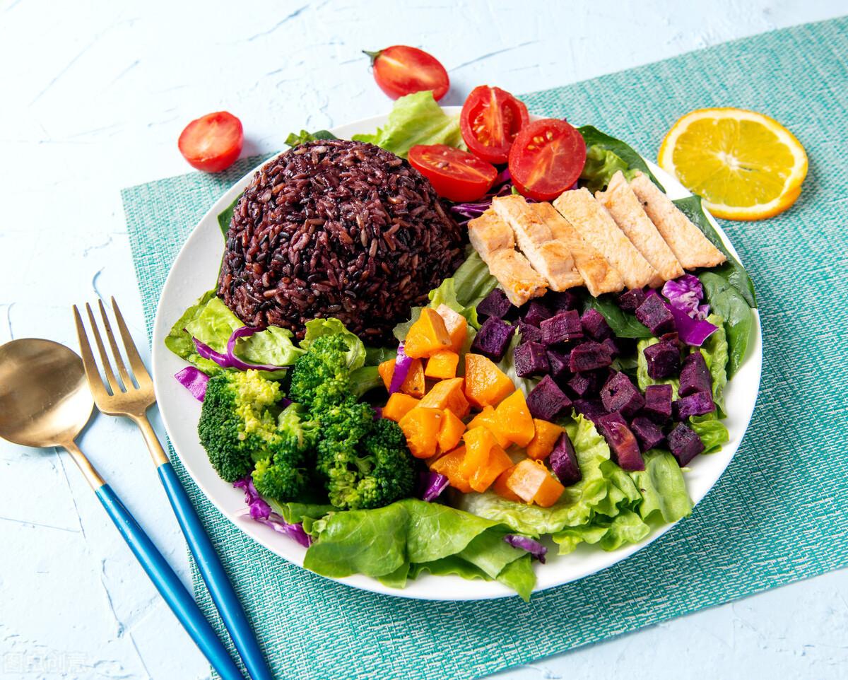 """减肥关键在于""""蛋白质"""",但很多人蛋白质都吃错了 减肥菜谱 第1张"""