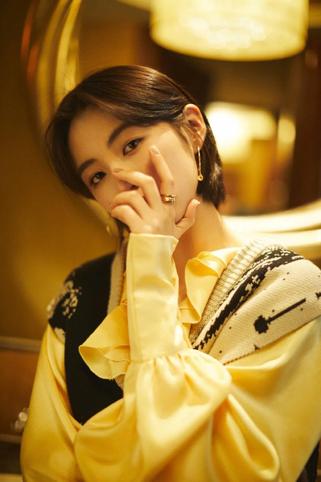 张子枫出席北京首映礼
