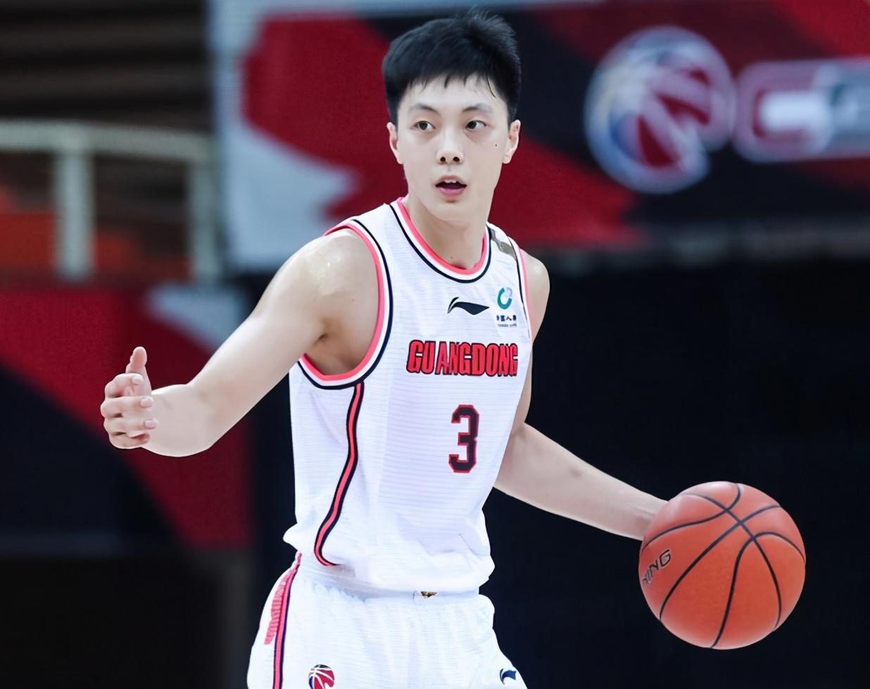分析:从吴前和郭艾伦的近期表现,看未来中国男篮首发后卫之争