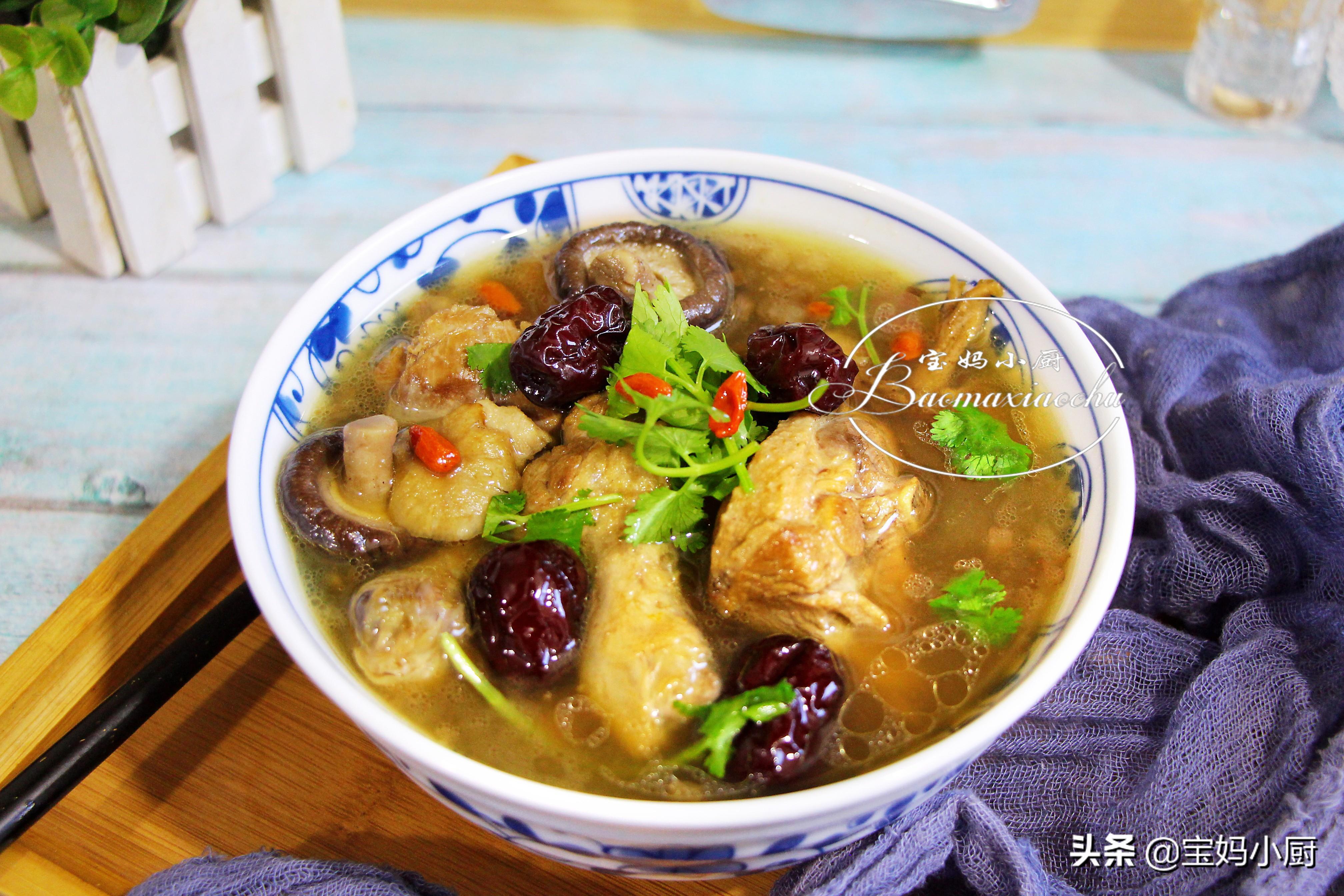 天熱多吃這肉好,用它燉湯不上火有食慾,比豬肉養人,比雞肉便宜