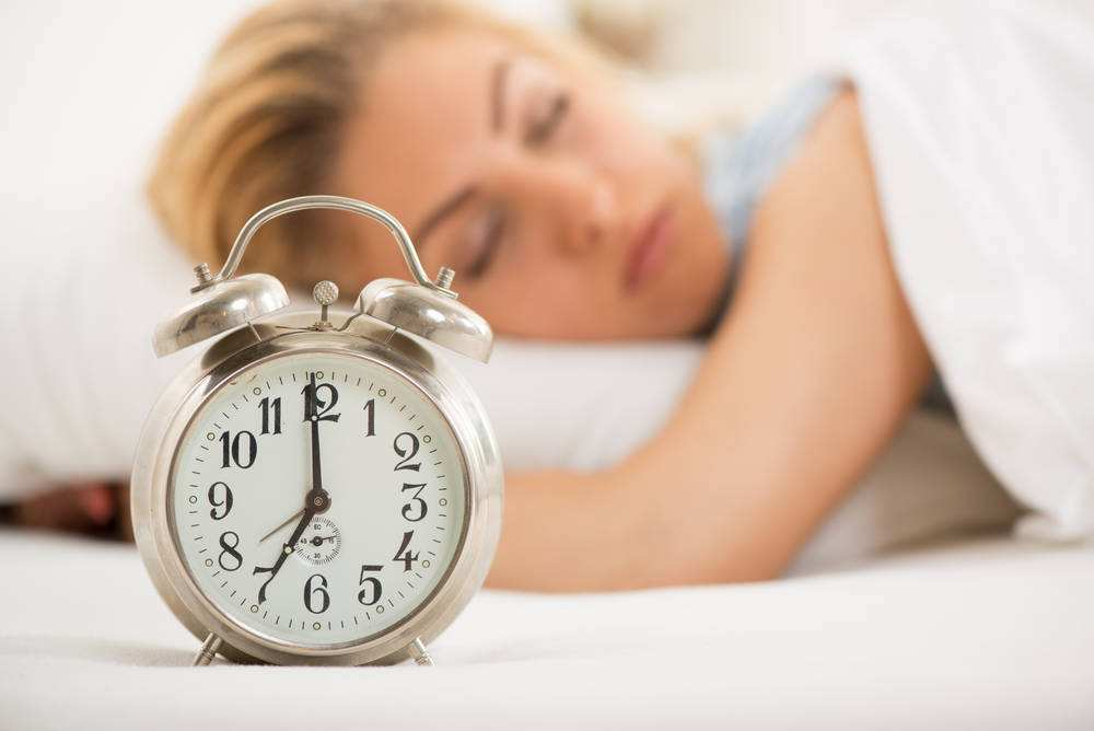 夜间睡眠中的两种反常现象你有吗?比白天发生对身体的伤害大得多