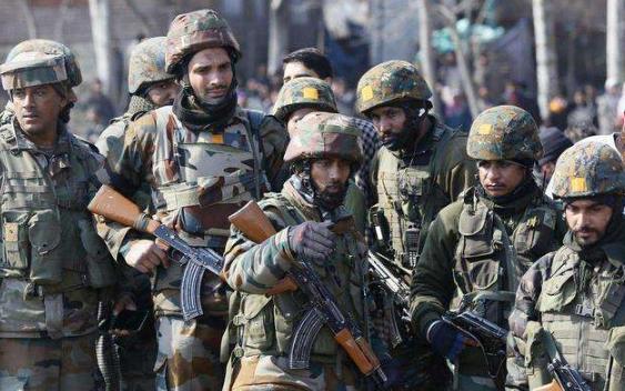印度士兵在边界冲突中被打死?外交部回应称:好像是被自己的军车砸死的