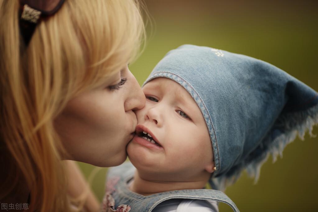 """為什麼寶寶看到""""有些人""""會突然哭泣?不要迷信,看看科學的解釋"""
