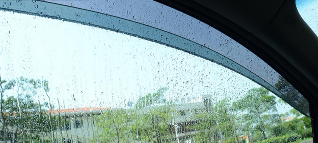 事物总是双面性的,盘点汽车晴雨挡的优缺点