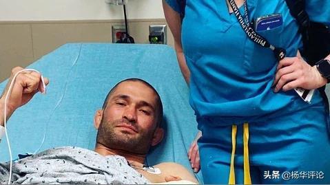 血性男儿!MMA拳手比赛中被掰掉手指,重新接好后准备重回擂台