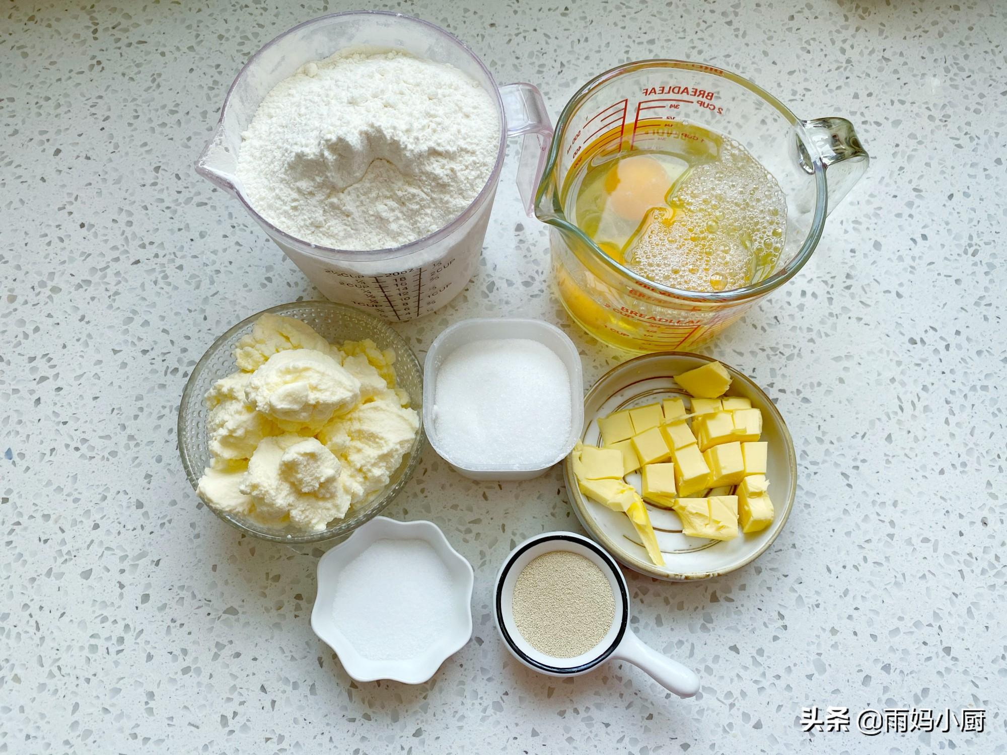 不加1滴奶,超簡單的奶排麵包,奶香濃郁鬆軟又拉絲,全家都愛吃
