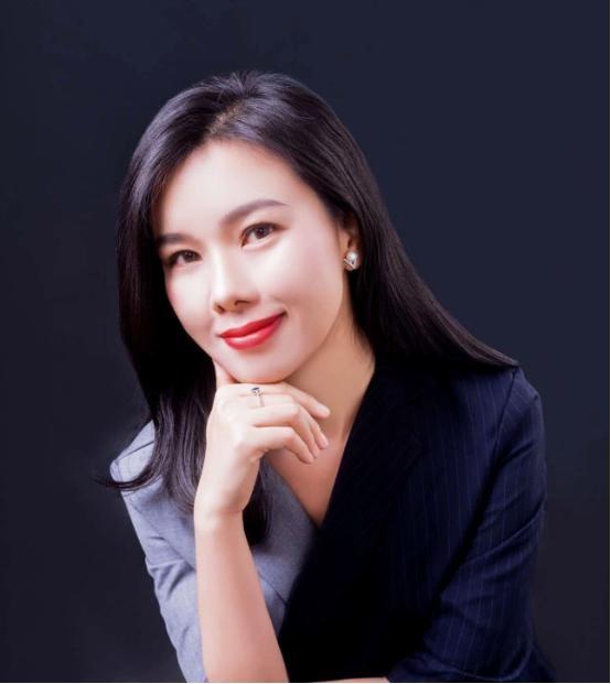刘晨曦首次晚间开播 情感课堂内容升级