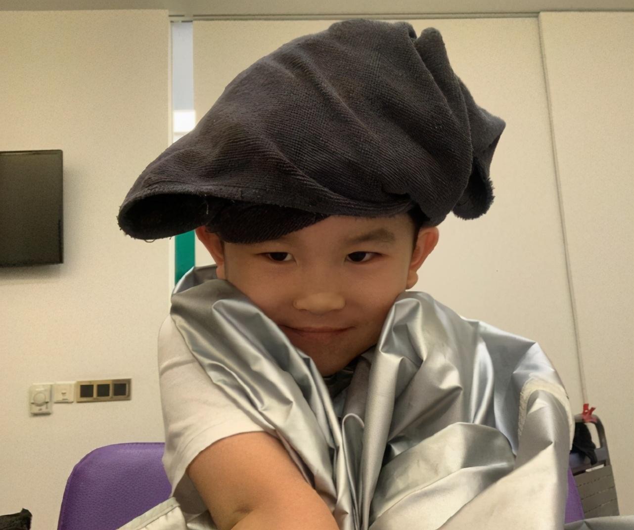 範文芳曬兒子,Zed造型別緻可愛,身高優越才6歲就長到130