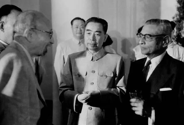针对珠穆朗玛峰归属问题,毛主席如何巧妙化解?一段话全面解决