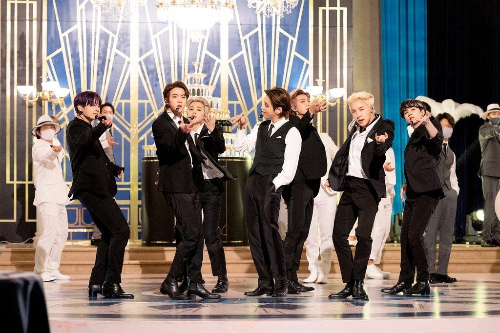 Billboard成为K-POP主战场,BTS连续五周登顶第一名