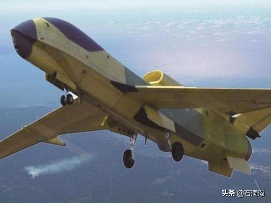 曾跟踪美巡洋舰达10小时之久!翔龙无人侦察机具有怎样的能力?