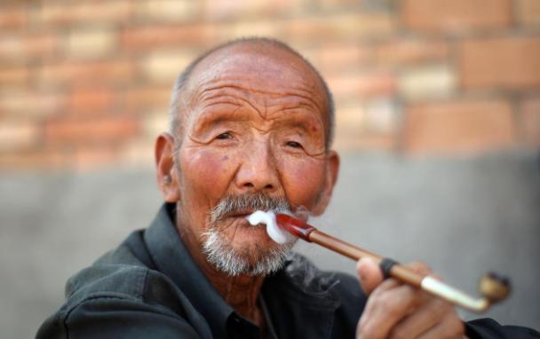 63歲老人搭夥2次傾訴:都想找免費的勞動力,沒人想真心過日子
