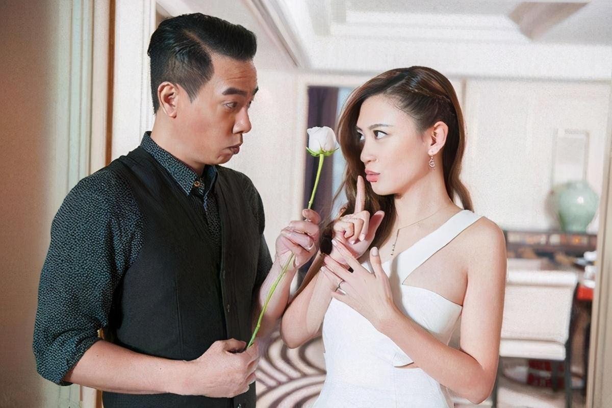 """应采儿""""怨""""陈小春七年,再进产房拍摄,紧握老婆手称比初次紧张"""