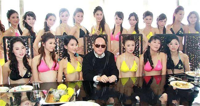 """""""香港第一玩家""""赵世曾:交上万名女友不结婚,花10亿招女婿"""