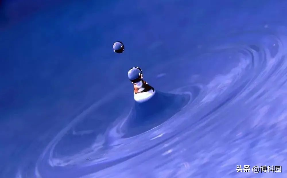 最新发现:流体在与固定边界接触时,会发生滑移,气泡随流而行!