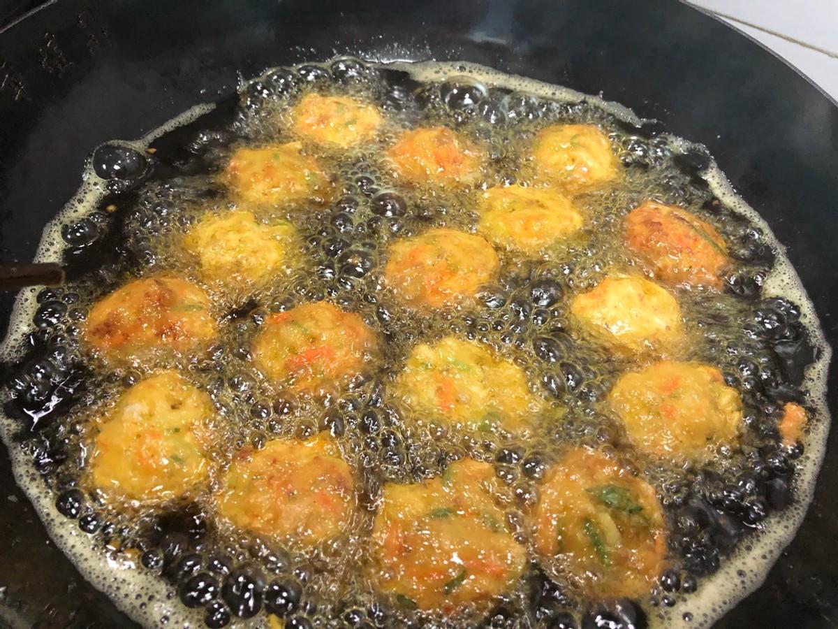 家常萝卜丸子的做法,简单好做,外酥里嫩,一口一个真过瘾