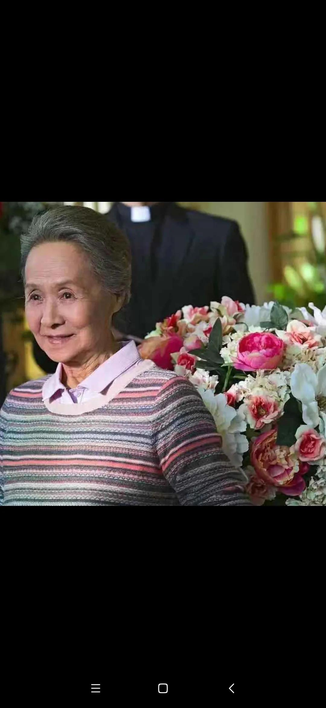 《流金岁月》老太太也圈粉无数,奶奶的优雅是侵到骨子里的大度。