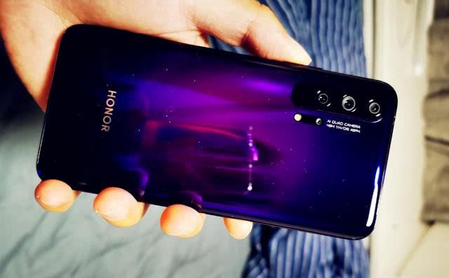 非常值得下手的三款4g手机上,全是旗舰其他特性配备,性价比高十分的高