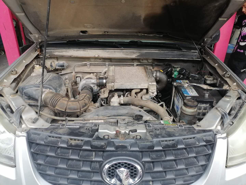 才行驶9万公里发动机 废气大、冒蓝烟、烧机油 活塞烧蚀