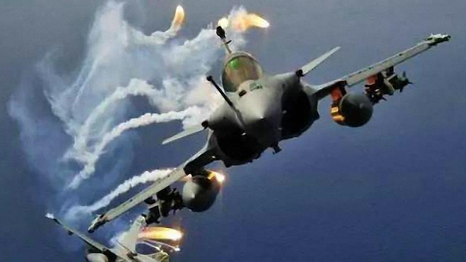 """惹是生非!印度""""光辉""""战机跑到边境去了"""