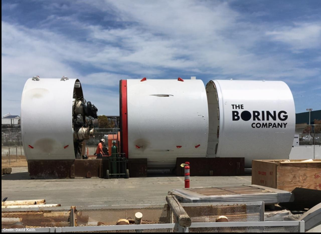 马斯克旗下无聊公司拉斯维加斯会议中心环路隧道已正式开始运营