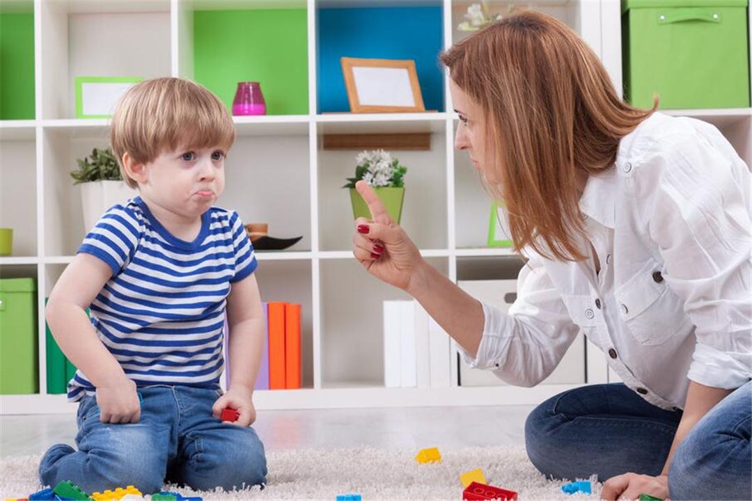 """""""1岁多的孩子太难带了!""""学会2个""""套路"""",妈妈省心孩子聪明"""