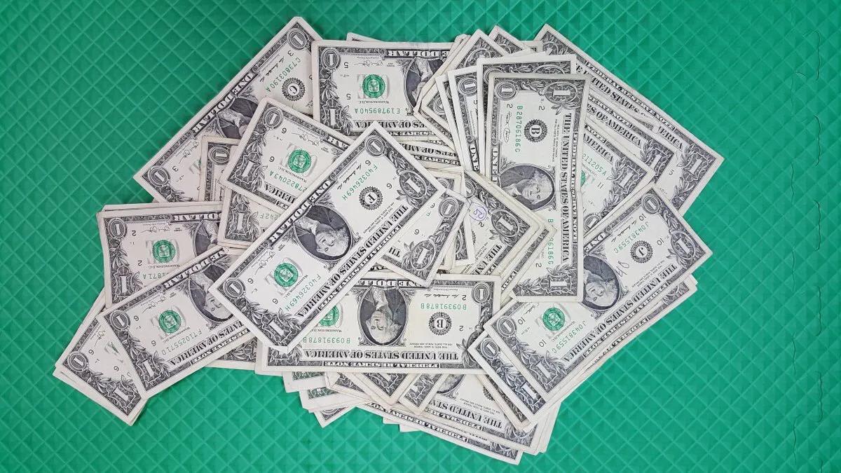 这期说一下富人和财商的观念。