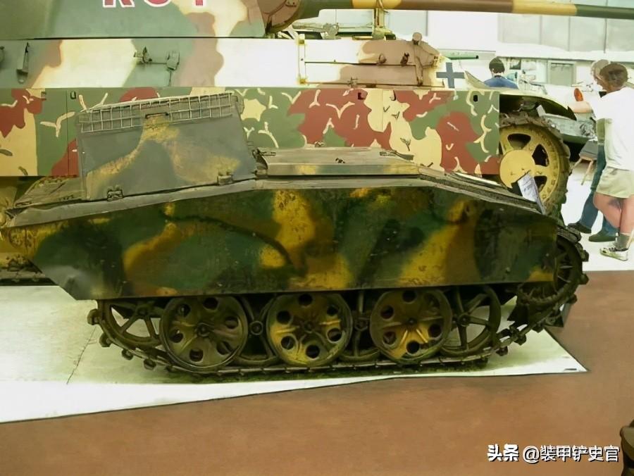 日本五旬怪叔叔驾驶二战德国摩托买菜,网上售价超100万人民币