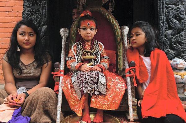 神秘的尼泊尔活女神,在位时受万人尊敬,退位后无人问津生活凄凉