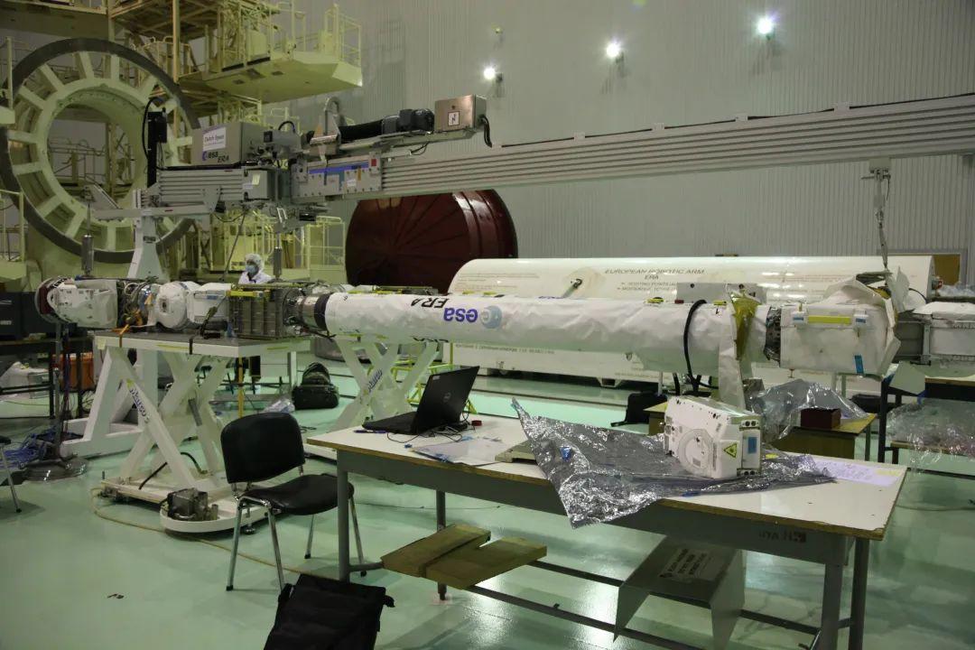 中国空间站核心舱顺利上天,这国核心舱却为何在地上趴了20多年?