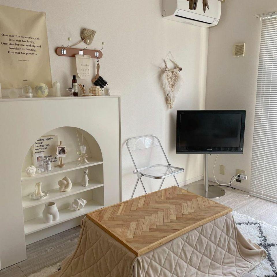 奶油色系的小单间,租房带来满满治愈感
