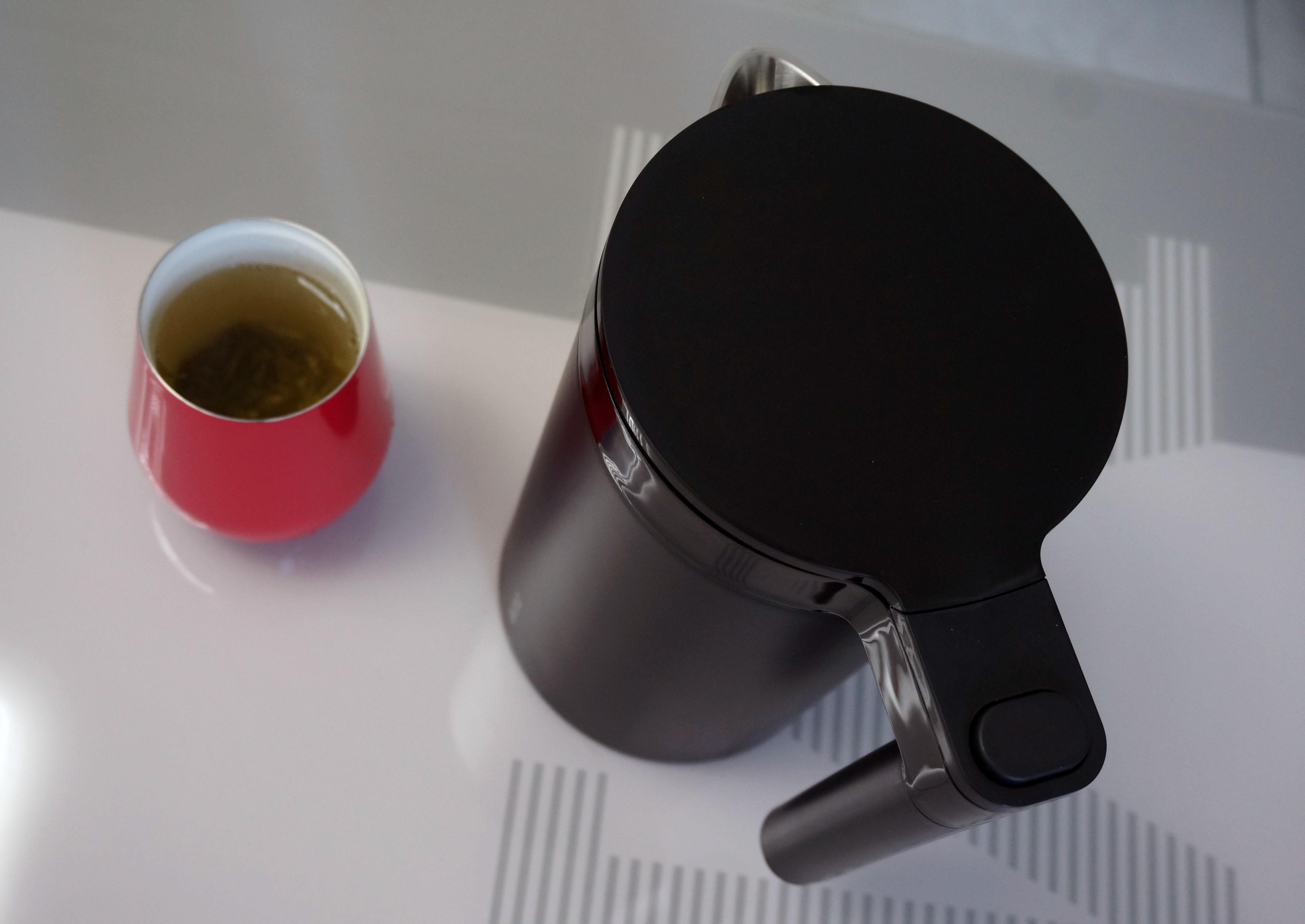 爱上喝水,从这款电热水壶开始!智能恒温更安全,家里人都喜欢