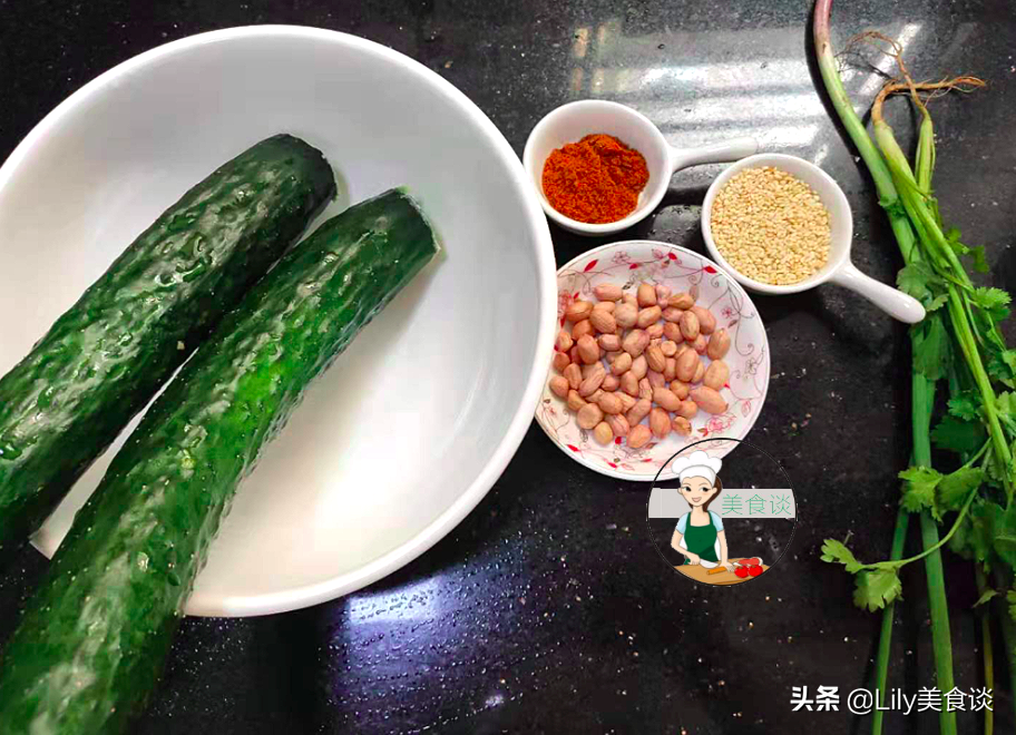 夏天做拍黄瓜,切好别直接拌!多做一步骤,黄瓜爽脆又入味,收藏 美食做法 第4张