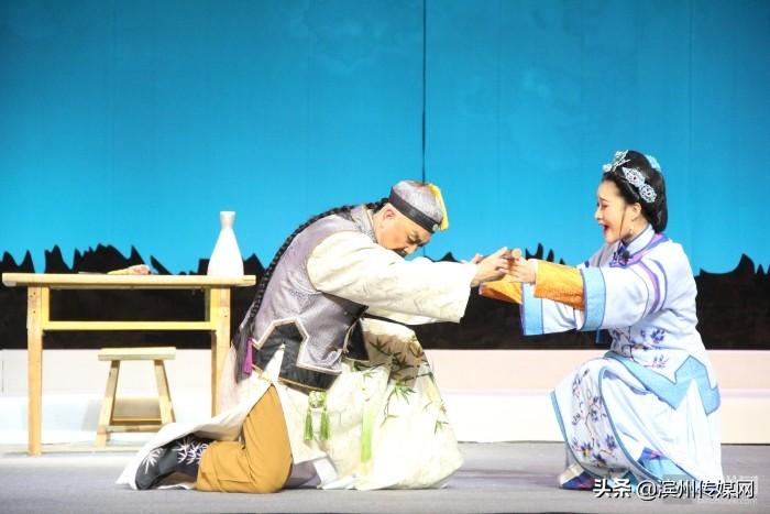 大型渔鼓戏《郑板桥》在沾化大剧院首演