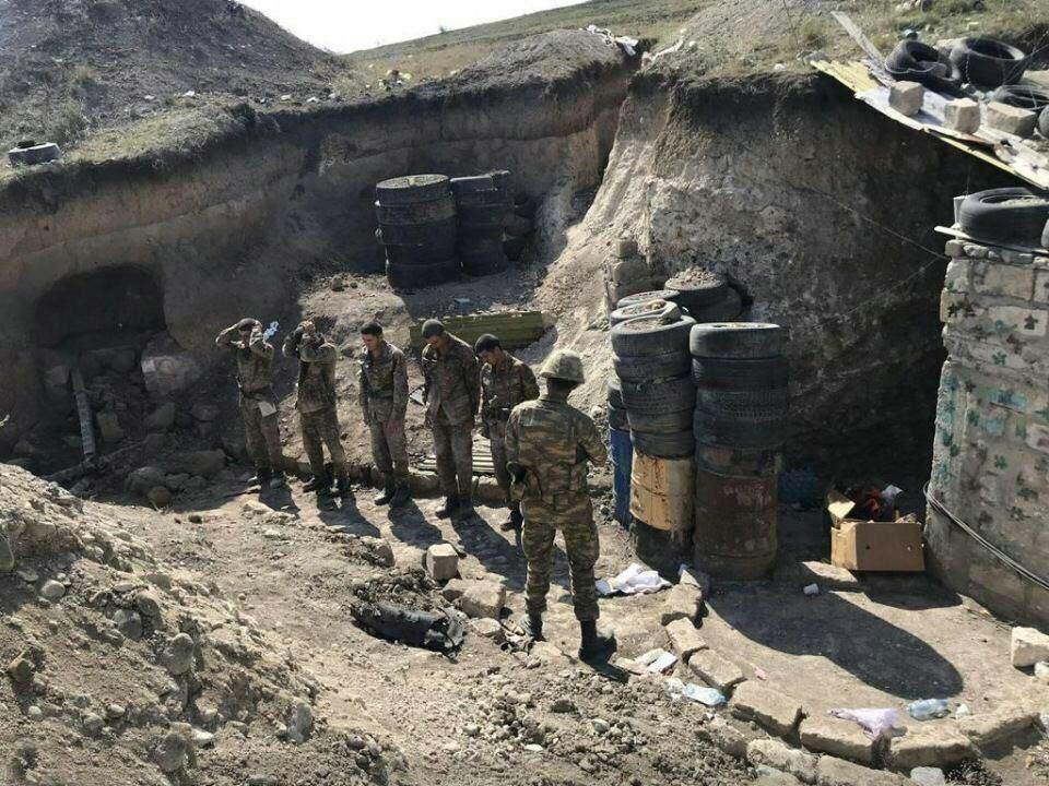 阿塞拜疆集体屠杀战俘!反绑双手挨个枪毙,俄媒:现场惨不忍睹