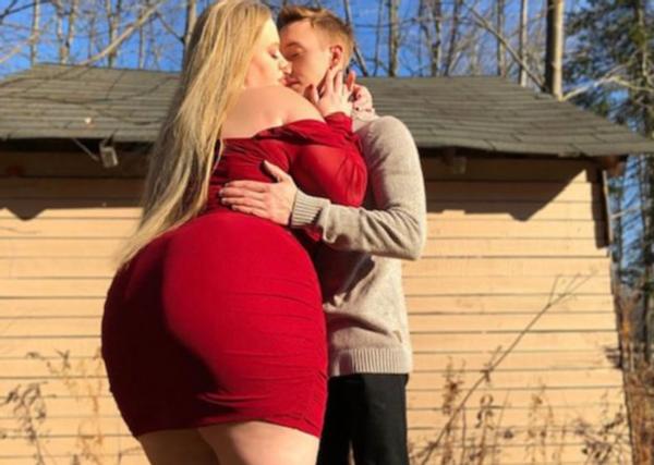 233斤加拿大女孩寻得真爱,和帅气健身教练订婚,疯狂撒狗粮
